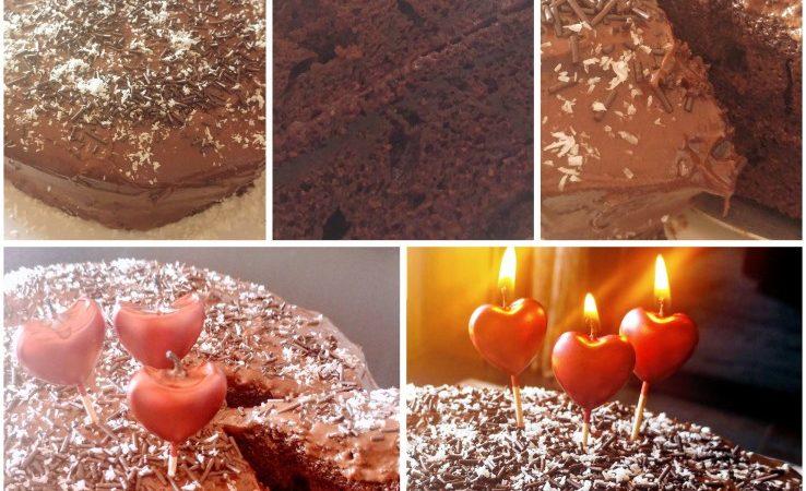 Bolo de chocolate fofinho e delicioso com buttercream de chocolate e 3 anos de GoVidaUp